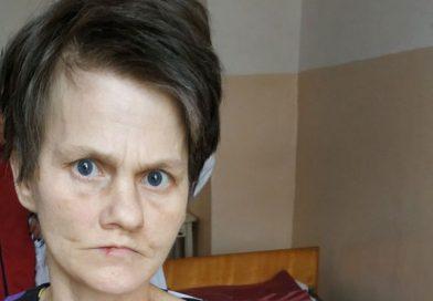 Поліцейські Первомайська просять допомогти встановити особу жінки, яка вже півроку знаходиться у медичному закладі