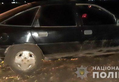 У Первомайську поліцейські з переслідуванням оперативно затримали викрадача Opel